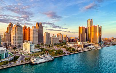 Detroit (MI)
